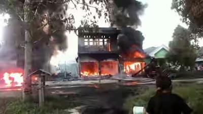 Kebakaran di Ibukota Talaud, Rabu (29/06) sore tadi.