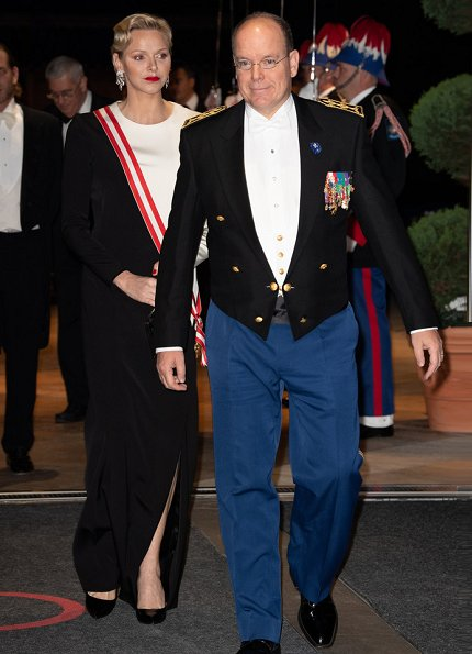Princess Caroline wore Stella McCartney Cecilia cape gown. Princess Charlene Akris dress. Beatrice Borromeo wore Armani gown