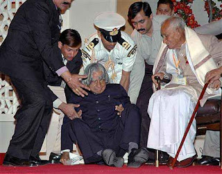 A. P. J. Abdul Kalam fall due to heart attack