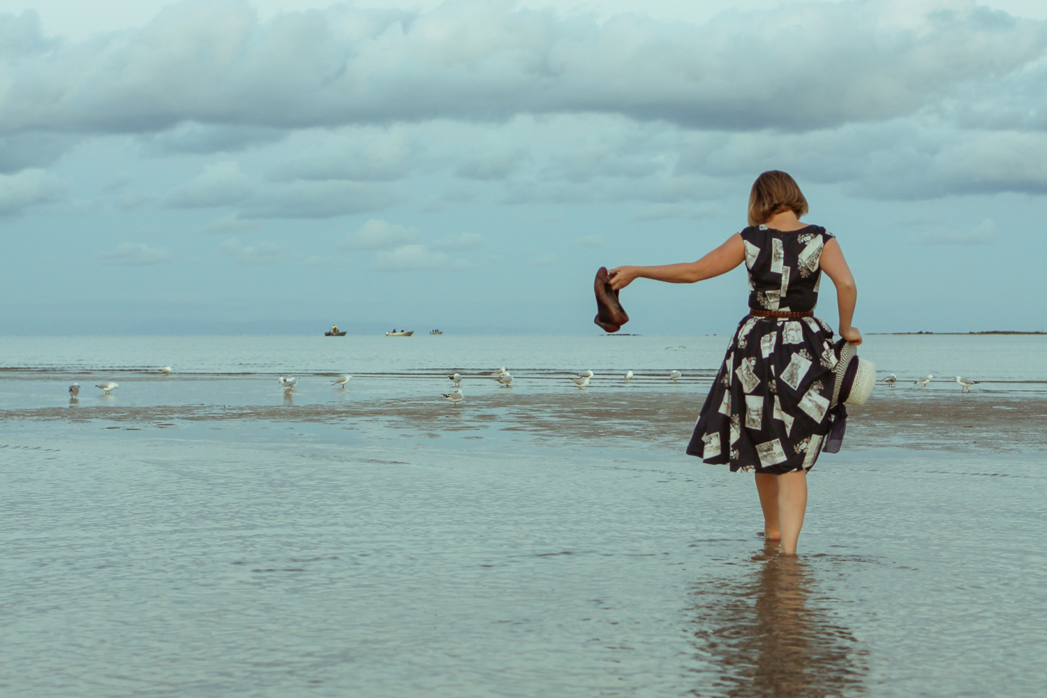 @findingfemme wears Laura Ashley postcards dress at the Portarlington beach.