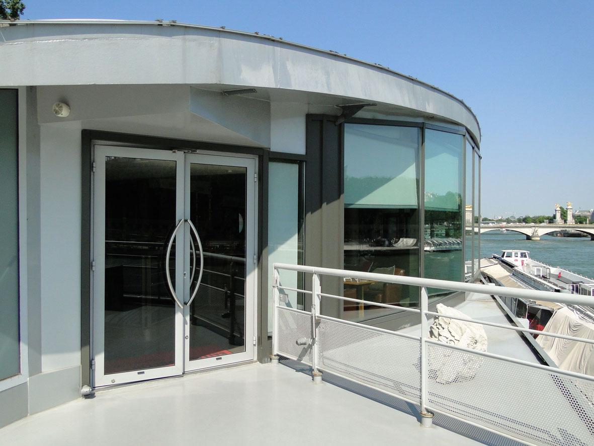 loft connexion by samuel johde barge priv e paris 8e alma marceau. Black Bedroom Furniture Sets. Home Design Ideas