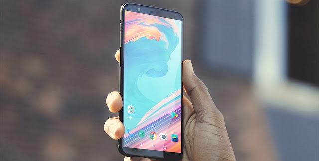 OnePlus 5T gets its first OS update, OxygenOS pushed to v4.7.2
