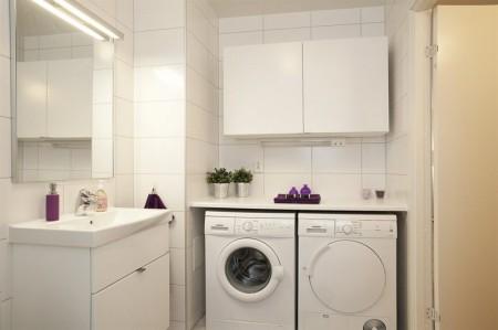 En el baño tener la lavadora de ropa al estilo nórdico ...