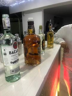 Clonazepam, rivotril y vodka o Whisky, ron, vino, tequila, champaña, cognat o coñac