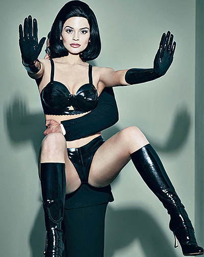 Latex and mannequins: a candid photoshoot Kylie Jenner in Interview magazine