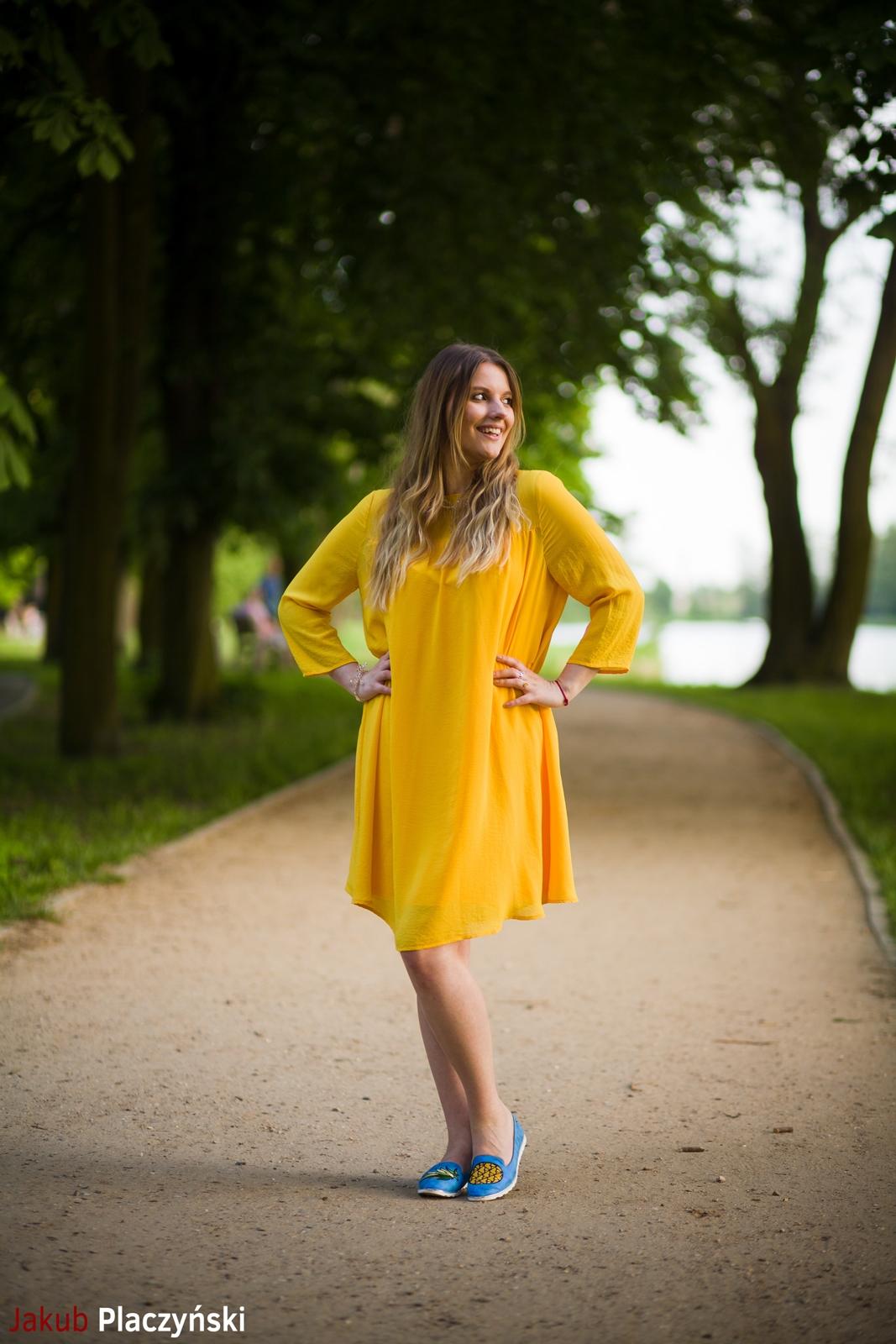 15 żółta sukienka na lato bonprix niebieskie espadryle z ananasem renee shoes reneegirls reneeshoes melodylaniella modnapolka lookbook ootd moda na lato biżuteria piotrowski swarovski