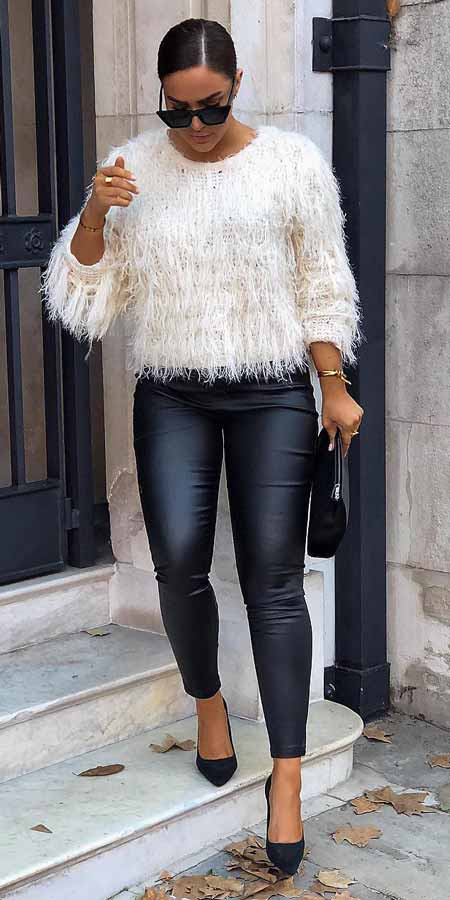 Get your wardrobe ready for a cozy season with these 31+ Women's Cozy and Cute Casual Holiday Winter Outfits for Winter.  #outfits #winteroutfits #fashion #holidayoutfits