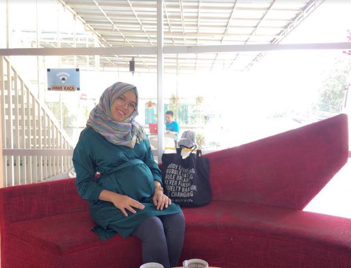 Review Mooimom Baju Ibu Hamil Menyusui dan Botol Bayi