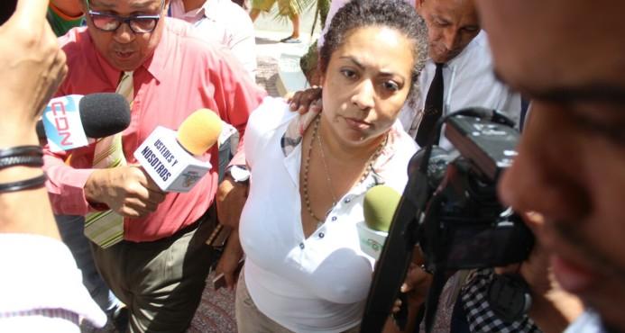 Pasaportes suspende a Marlin Martínez de sus funciones como subdirectora