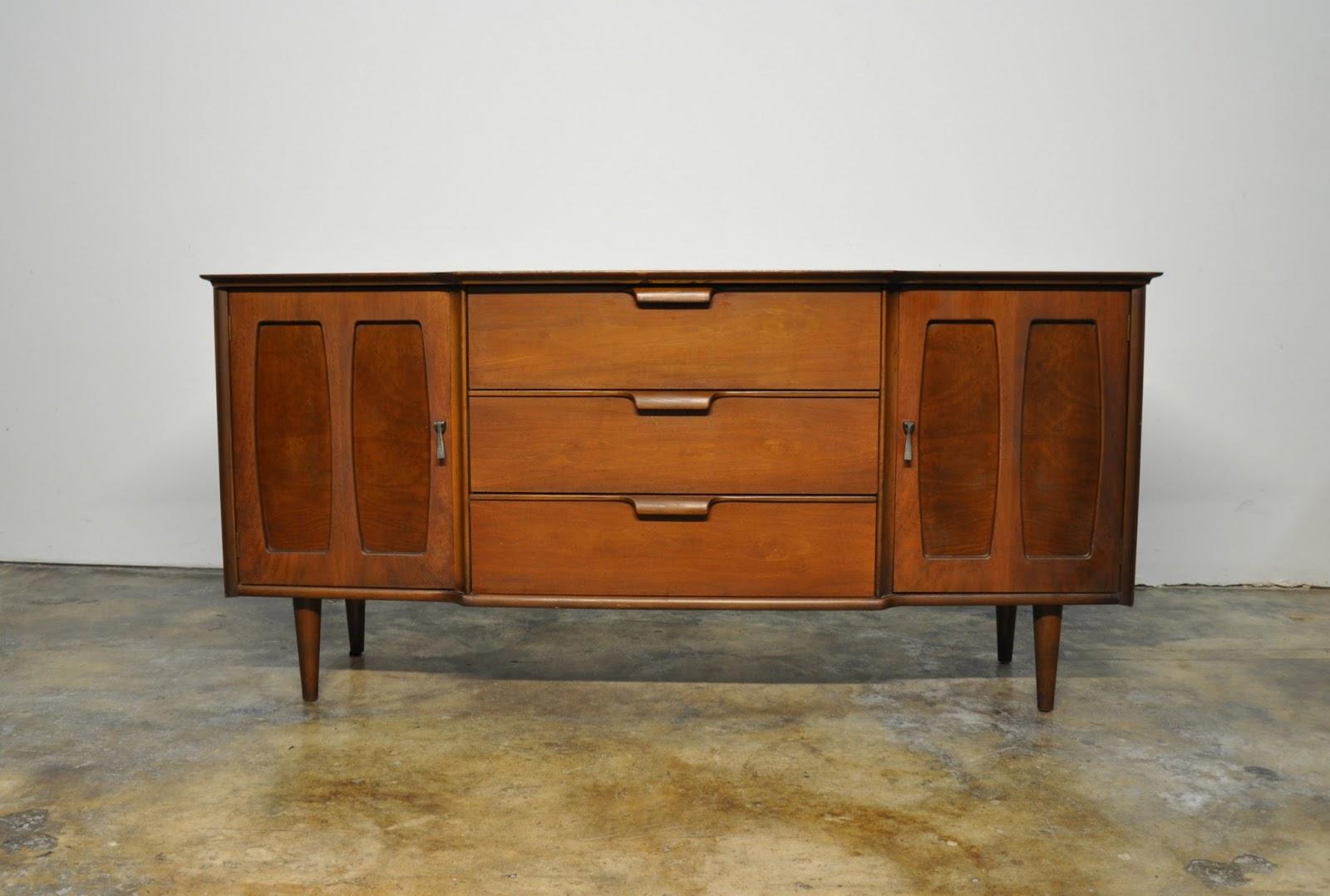 Select Modern Stanley Furniture Credenza Bar Media