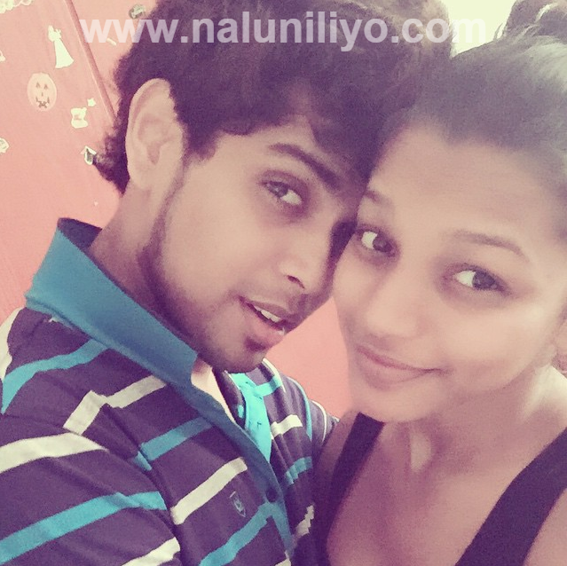 Kavindya Adikari Boyfriend athula adikari, samitha mudunkotuwa selfie with new iphone