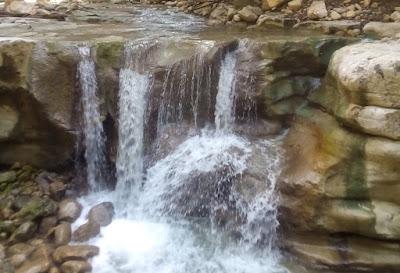 """""""air terjun di Lingkok Kuwieng"""""""