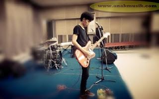 Gitaris IndonesiaTerbaik  Sepanjang Masa