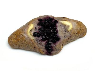 ブルーベリーとクリームチーズのもっちりフランス | Boulangerie Bonheur(ブーランジェリーボヌール)