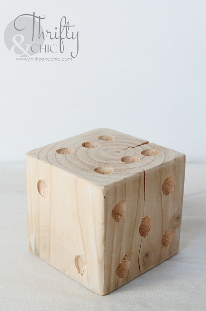 DIY oversized wood dice. A great way to add rustic farmhouse charm to your house!