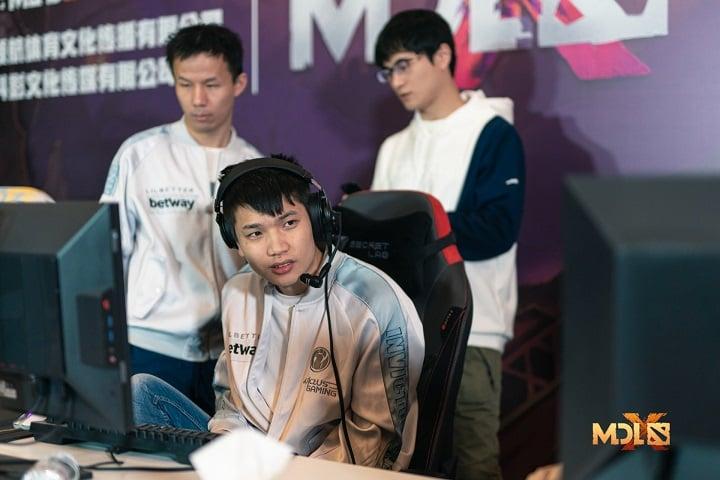 lower 2 - Nhánh thua Chengdu Major ngày 20/11: Iceiceice cùng EE dắt tay nhau về nước