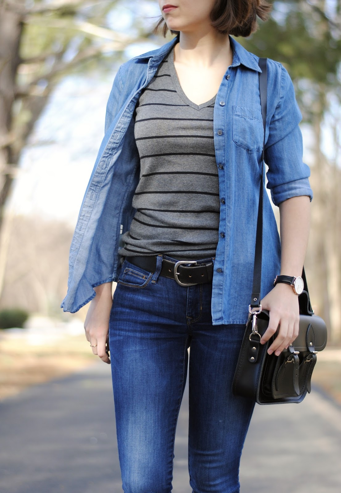 fall outfit chambray stripes tee jeans