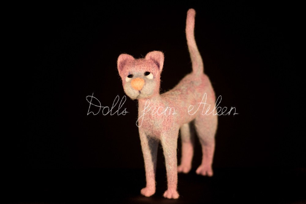 ooak needle felted cat, view from front