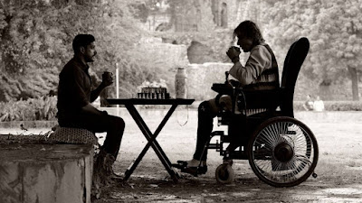 फ़िल्म 'वजीर' के एक दृश्य में अमिताभ बच्चन और फरहान अख्तर