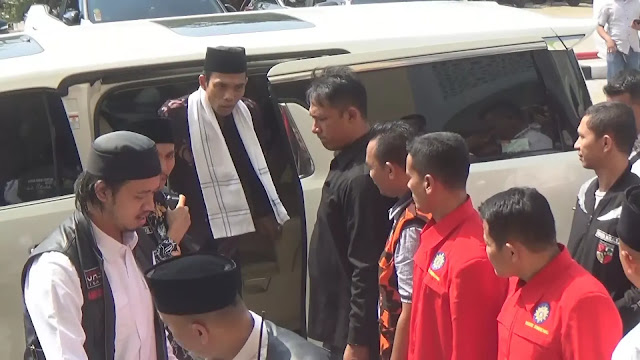 Dijaga Ketat ala Cawapres, Ustaz Somad Tinggalkan Tabligh Akbar di Semarang