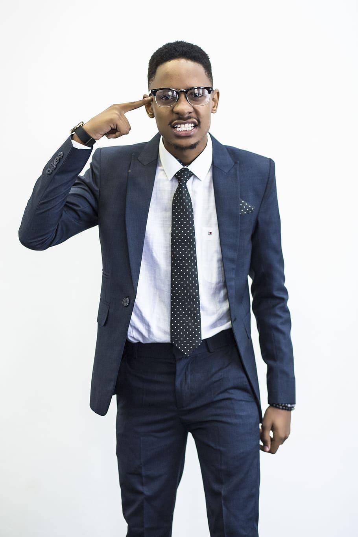 contoh pakaian formal karyawan