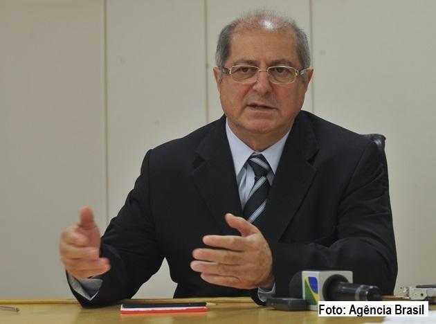Ex-ministro do Planejamento Paulo Bernardo é preso em Brasília.