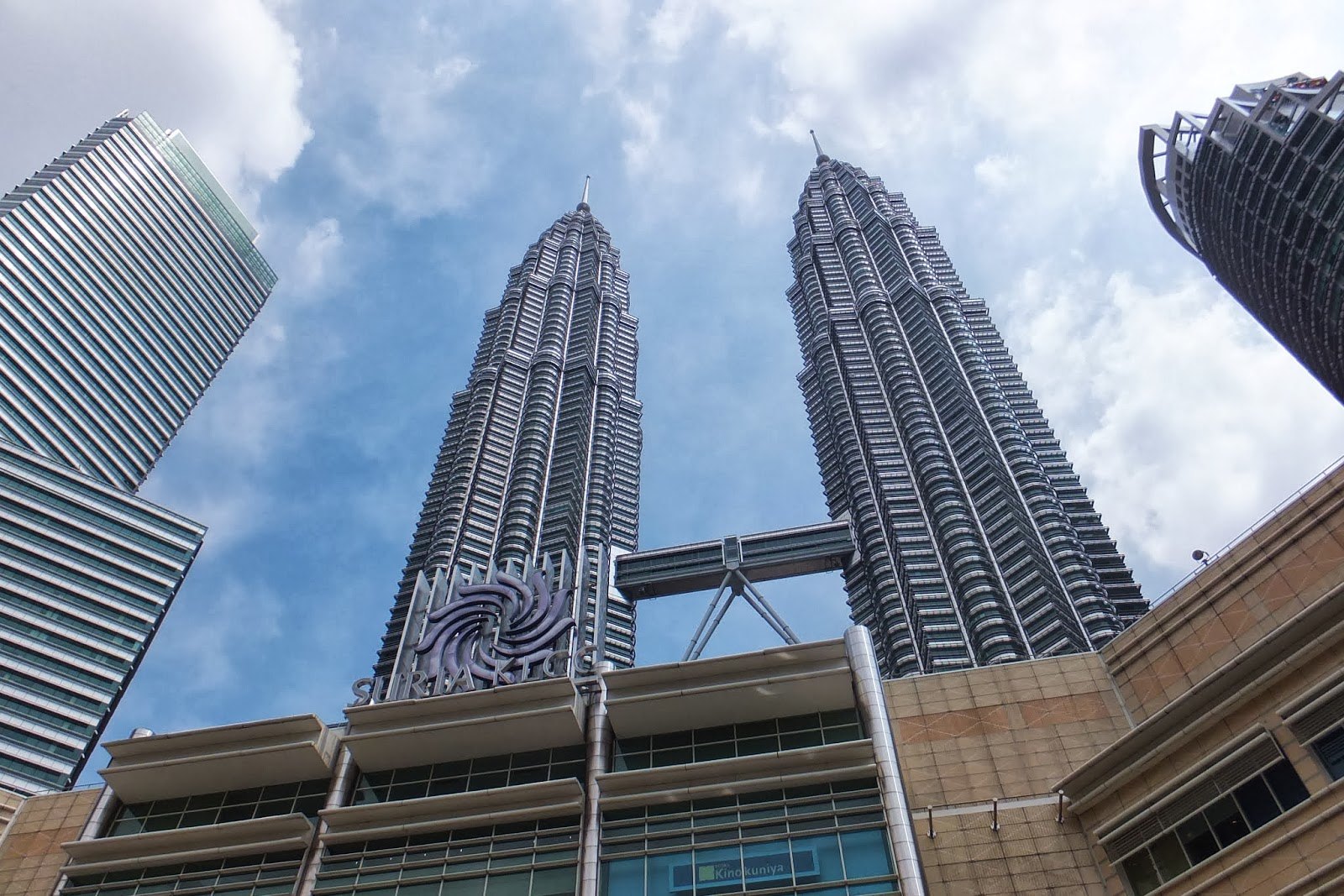 Petronas-Twin-Towers ペトロナスツインタワー