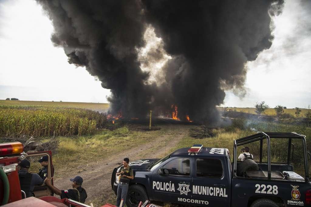 El nuevo gran negocio del Cártel Sinaloense : robo de gasolina