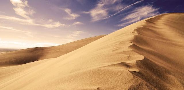 http://3.bp.blogspot.com/-VZ5EepizR-k/TgUvh3E2NjI/AAAAAAAAAN8/8zQGGrNHAPc/s1600/padang+pasir.jpg