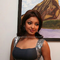 Sexy tanushree dutta actress hot pics