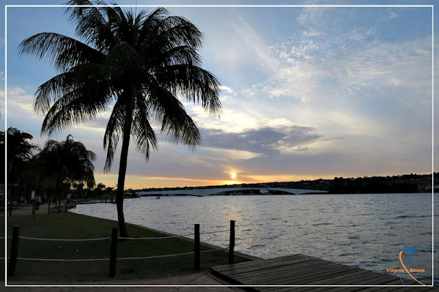 Pôr do sol no Pontão do Lago Sul, em Brasília