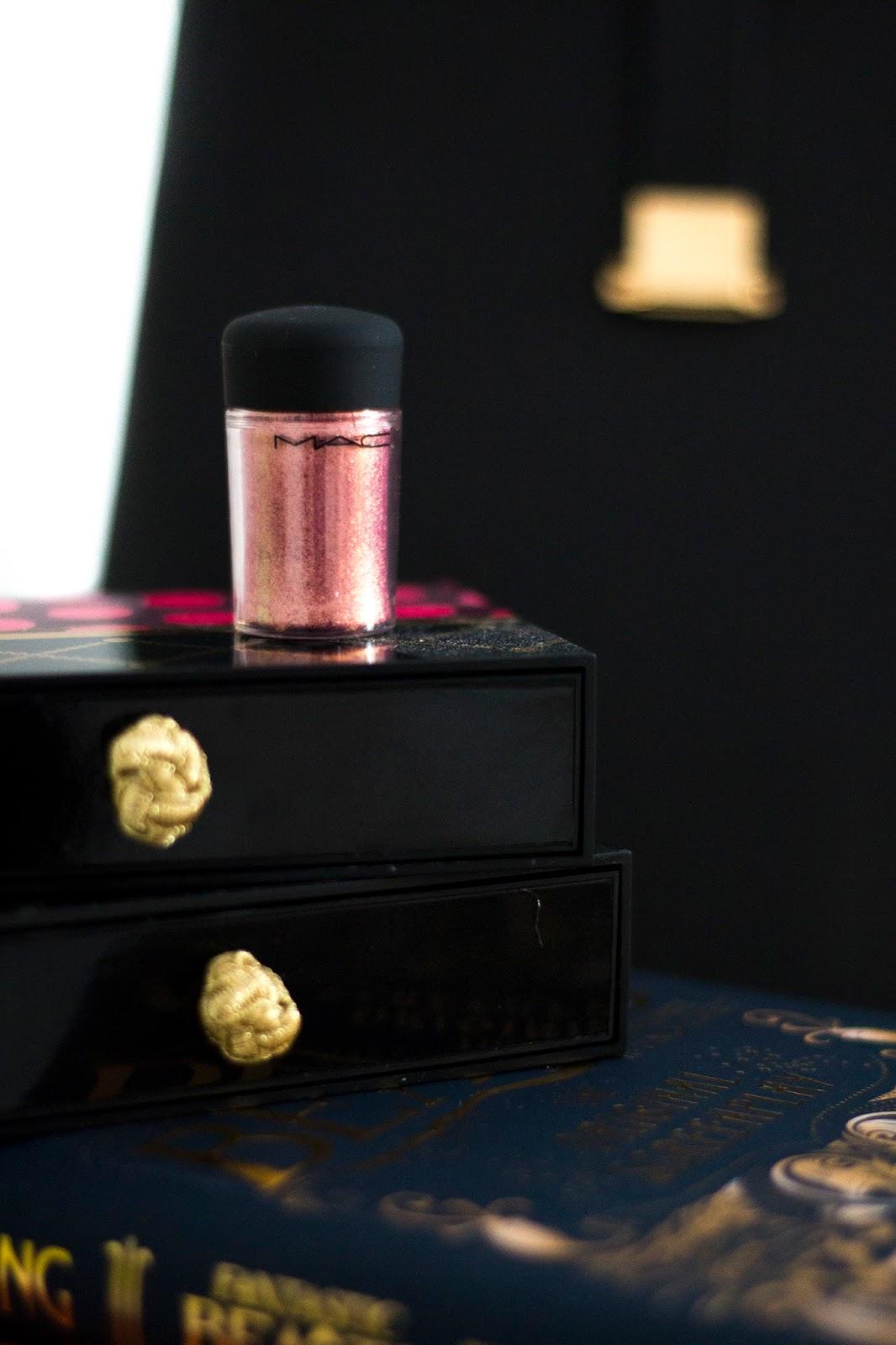 MAC Cosmetics pigment in Rose
