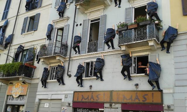 לא טיפסנו על הקירות!