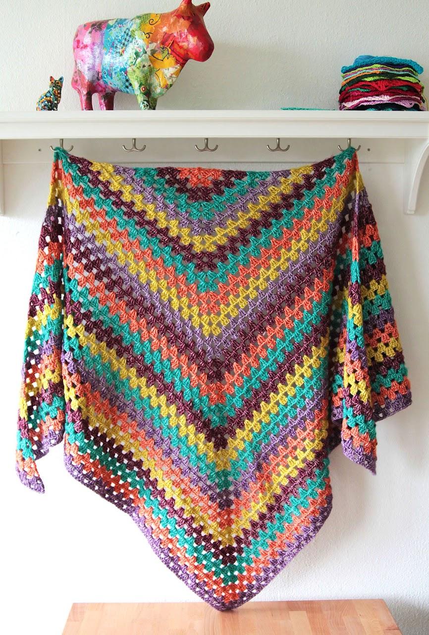 Granny Winter Shawl - FREE crochet pattern by Haak Maar Raak