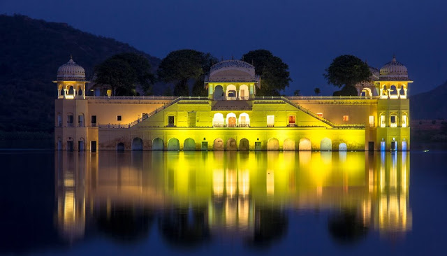Jal-Mahal-in-jaipur-in-night