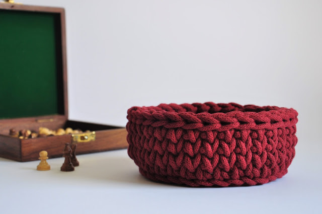 https://www.etsy.com/listing/293350637/small-crochet-bowl-crochet-basket-key?ref=related-0