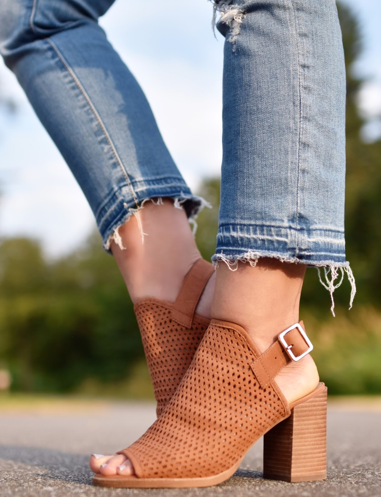 Monika Faulkner personal style inspiration - distressed cropped jeans, Steve Madden cut-out booties