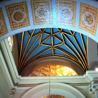 Interior da Catedral de Lima, no Peru