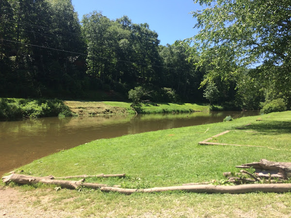 Tubing the New River with Wahoo's Adventures!  #daytrip
