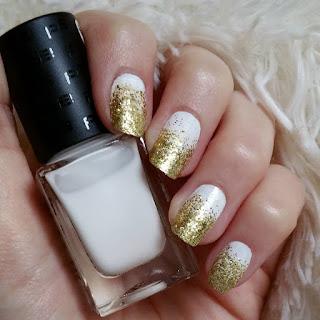 http://glam-masquerade.blogspot.de/2016/02/notd-golden-gradient-nails-blogparade.html