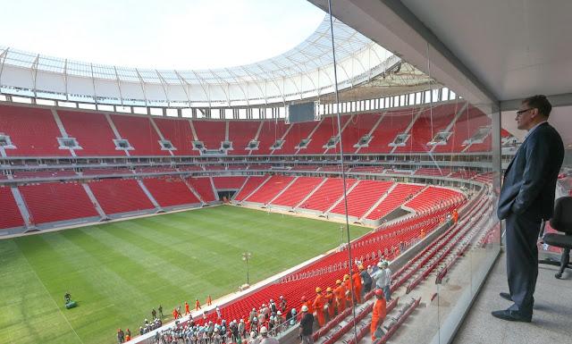 Estádio Nacional de Brasília é um dos mais bonitos do mundo, diz secretário da Fifa