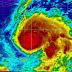 Matthew se convierte en huracán categoría II; Onamet mantiene alertas