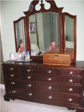 Kammy S Korner I Did It Painted My Dark Cherry Finish Bedroom Set Dresser Reveal