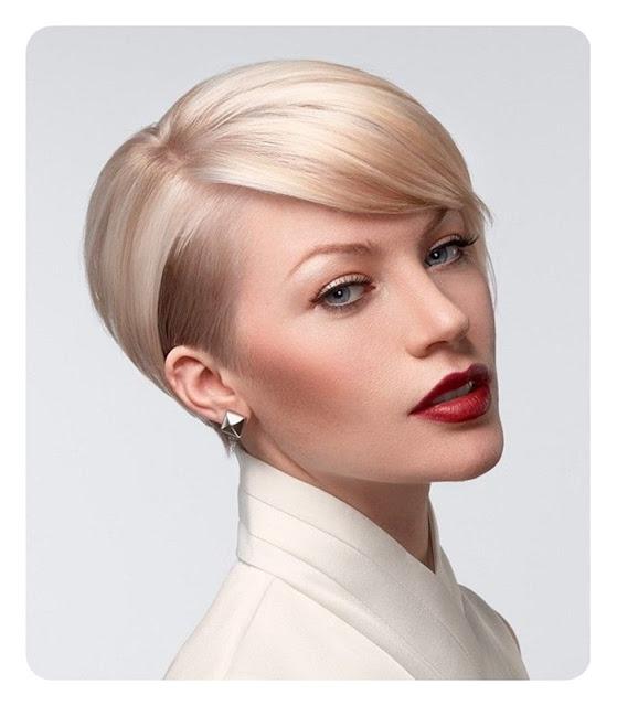 gładko zaczesane blond