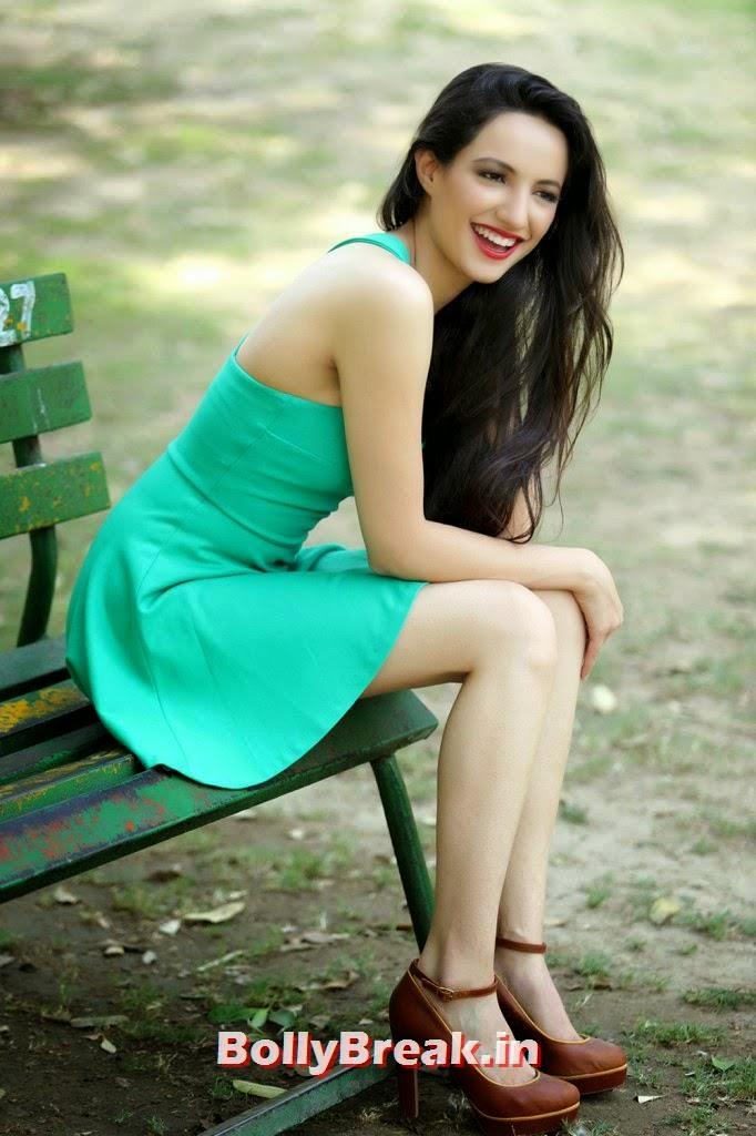 actress hot exposing stills, Lekhika Hot HD Photos