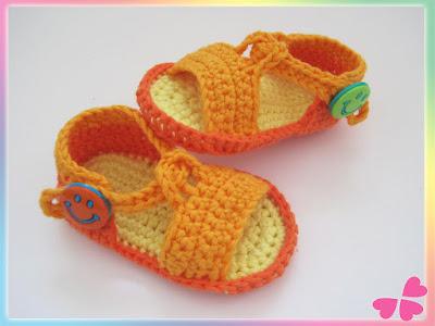 Schritt für Schritt Häkelanleitung für Baby Sandalen