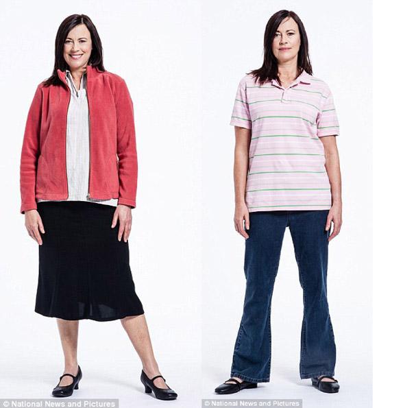 Женщина за 50 в старомодной куртке и юбке, в мешковатых брюках и растянутой футболке