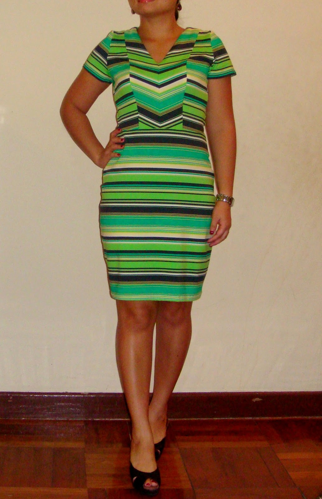 http://velvetribbonsew.blogspot.com/2012/11/striped-dress-in-jersey-knit.html