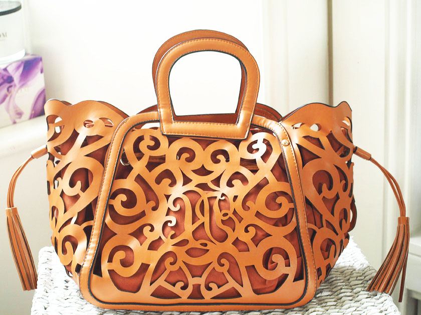be56303d64 New bag  Brown floral laser-cut tote