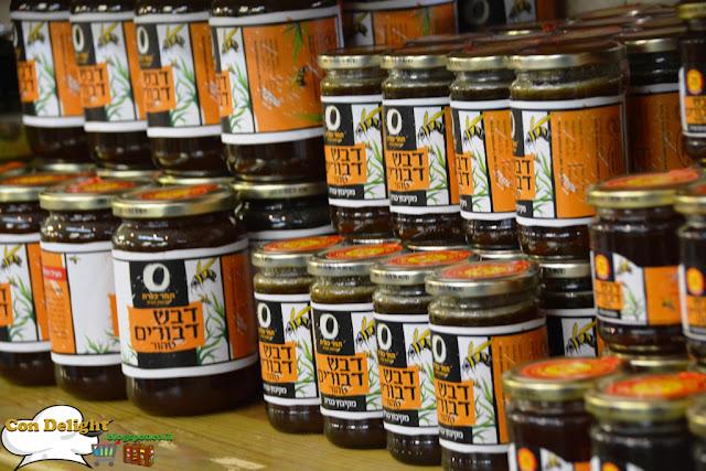 דבש דבורים honey